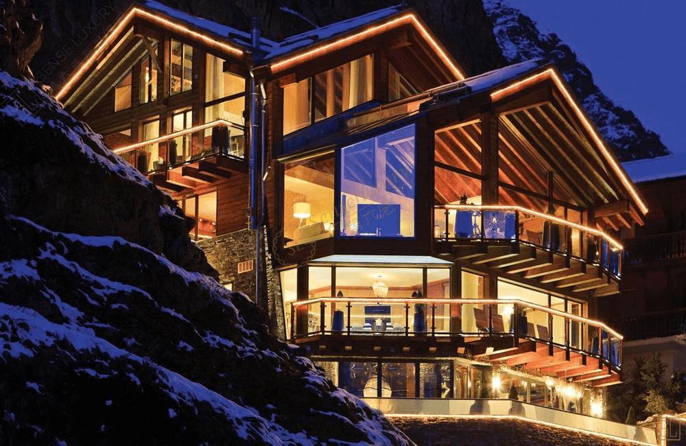 采尔马特山顶雪屋