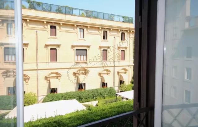 埃斯奎利诺公寓